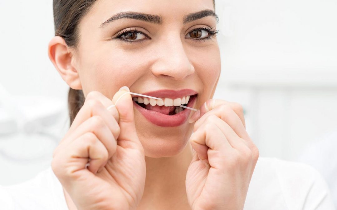 North Lakes Dentist Tips: Top 4 Amazing Benefits of Brushing & Flossing