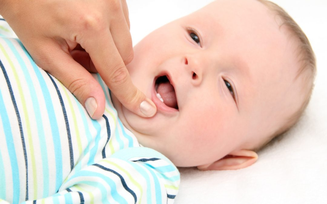 North Lakes Dentist Tips: Does Tooth Decay in Milk Teeth Affect Permanent Teeth?